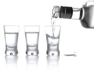 В каких случаях можно пить водку